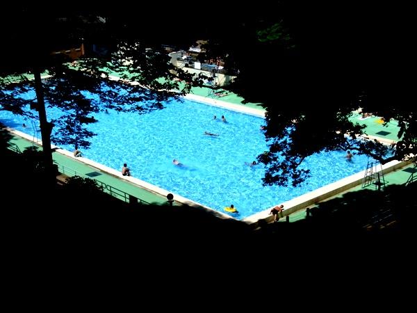 poolmotomachikouen.JPG